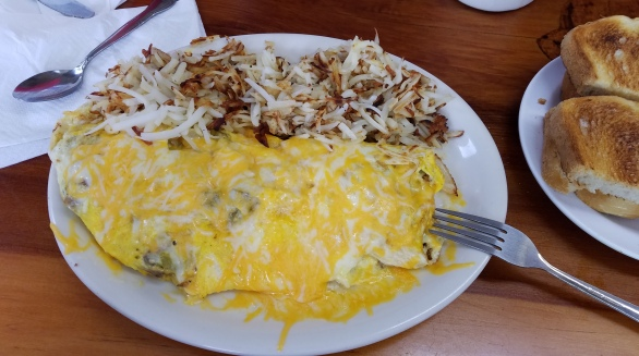 Omelet and hashed browns